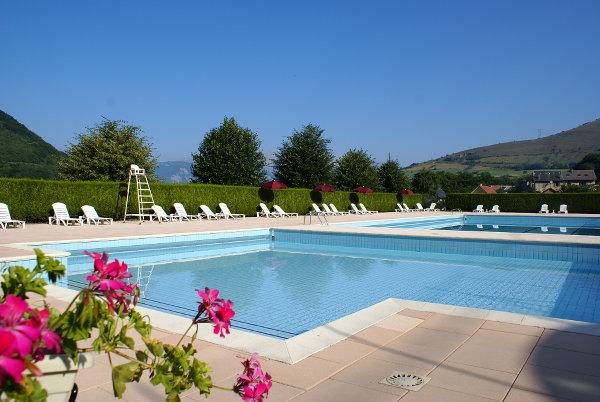 La piscine la motte saint martin for O piscines de martin saintes